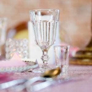 szklana zastawa na weselu