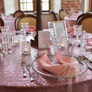 dekoracja stołu gości na wesele w stylu glamour