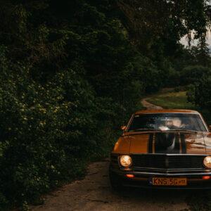 sesja ślubna w Mustangu
