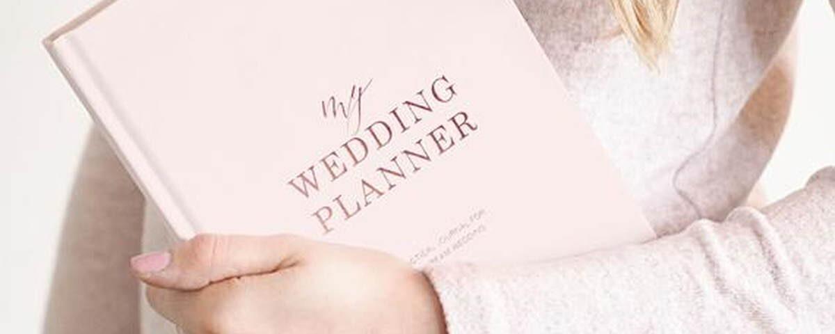 różowa książka wedding planner