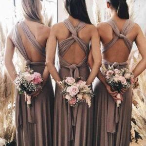 sukienki świadkowych i ich bukiety