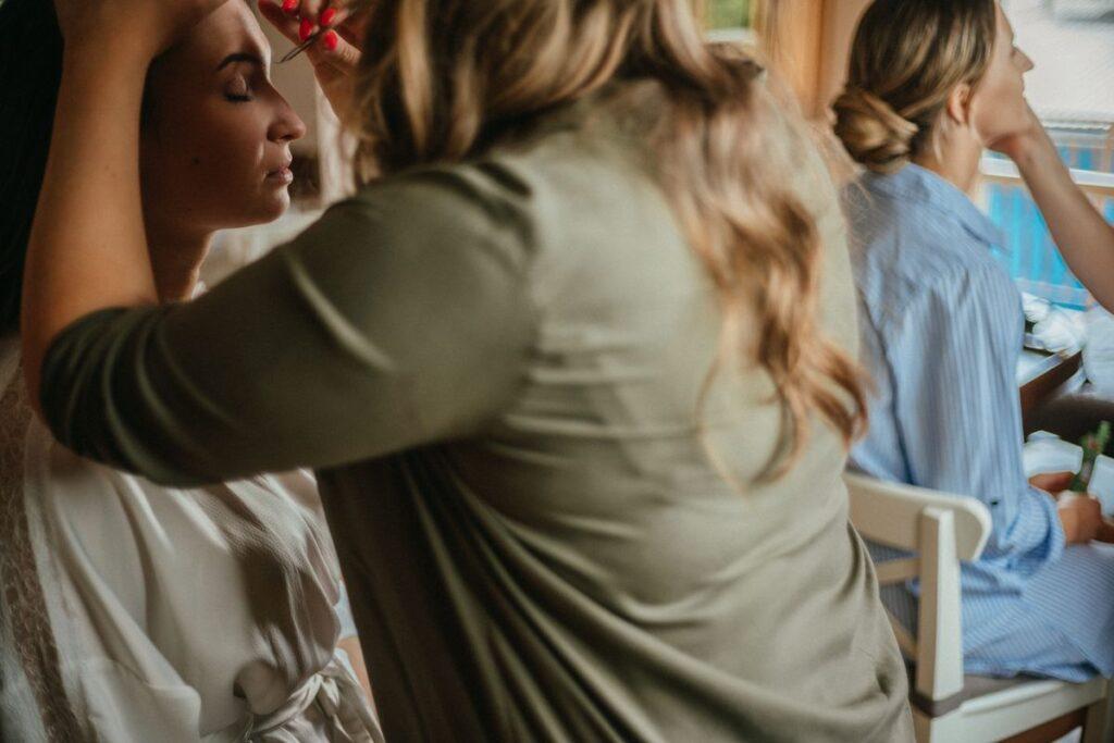 makijaż panny młodej w dniu ślubu
