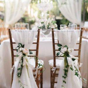 dekoracja materiałem krzeseł