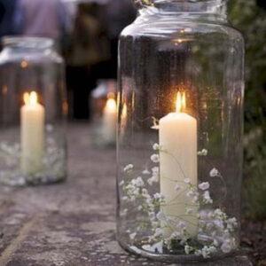 świeca z gipsówką w słoiku