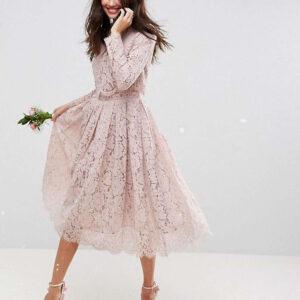 różowa suknia ślubna w koronkę