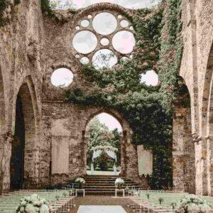 ślub cywilny w starym kościele