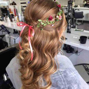fryzura-z-wiankiem-na-wesele