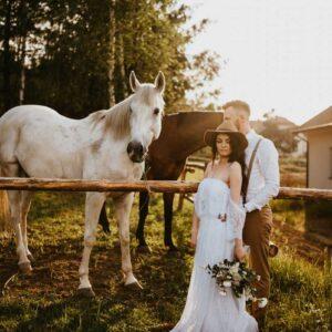 sesją ślubna z koniami